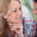 Como usar la mirada para conquistar a una mujer – Parte 1 de 2